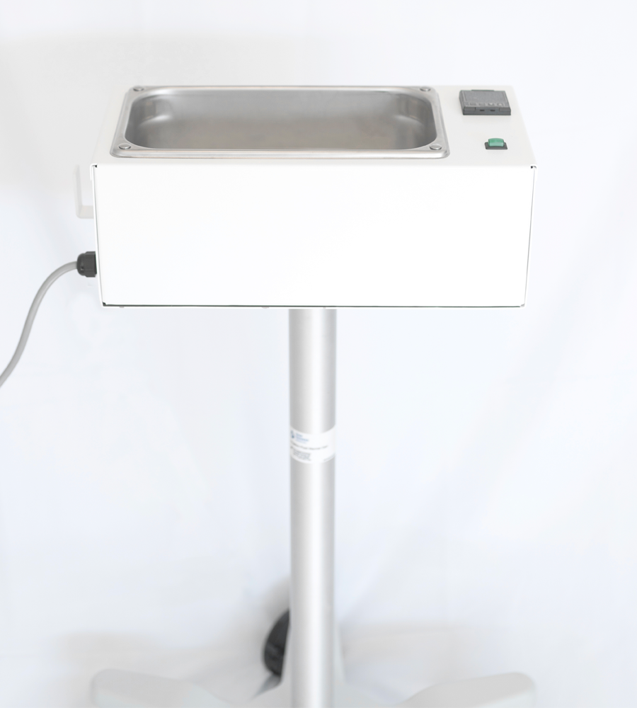 Product photo of one degree medical's irrigation fluid warmer on a stand.